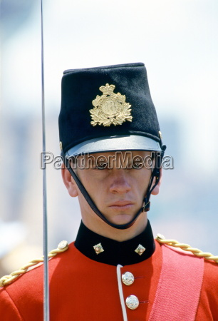 soldat in zeremoniellen uniform bicentennial day