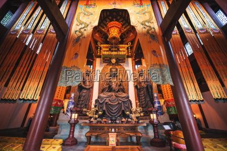 interior architecture and ru lai buddha