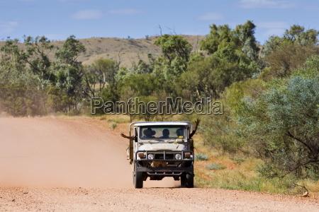 aborigeni a quattro ruote motrici del