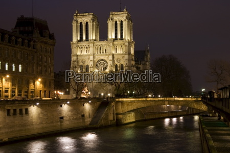 cathedral notre dame de paris on