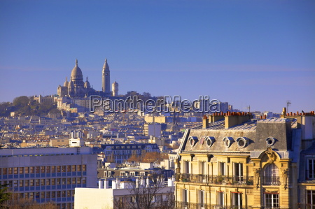distant view to montmartre and sacre