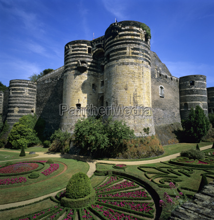 chateau dangers angers loire valley pays