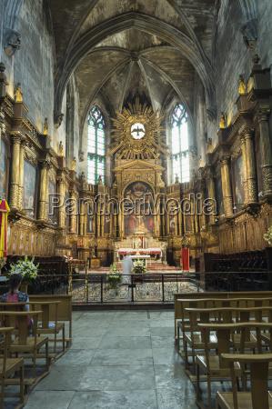 interior saint pierre basilica avignon vaucluse
