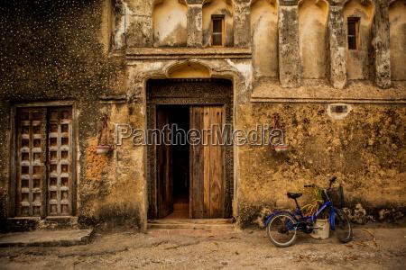 arabic doorway in stone town unesco