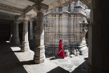 ranakpur jain temple where over 1444