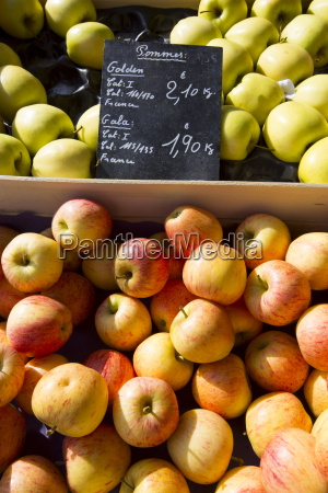 apples pommes golden and gala for