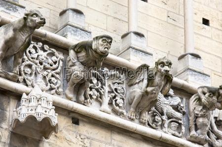 detail religioes glaeubig statue dom skulptur
