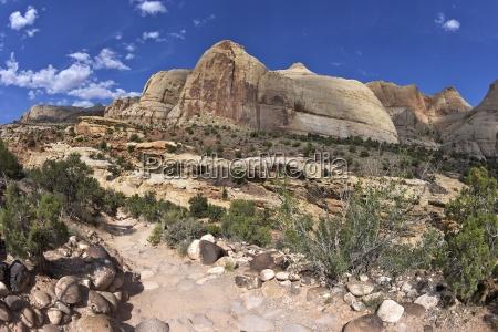 hickman bridge trail navajo dome capitol