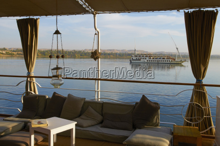 cruise on the river nile between