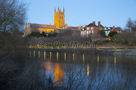 worcester cathedral on the river severn