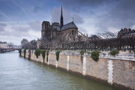notre dame de paris cathedral paris