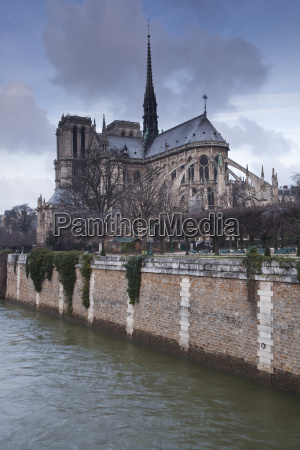 notre dame de paris cathedral paris