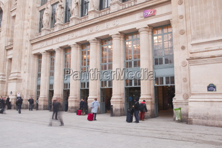 gare du nord railway station in