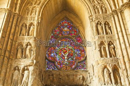 high relief sculptures inside notre dame
