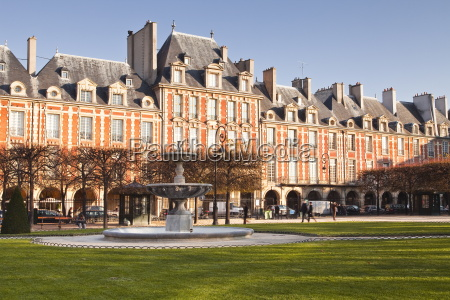 place des voges the oldest planned