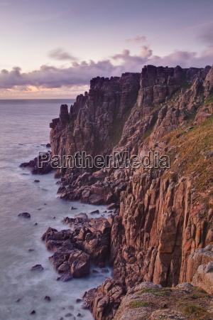 the rocky cornish coastline near to