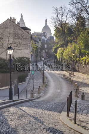 the montmartre area with the sacre