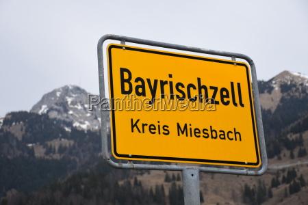 schild tafel ortstafel verkehrszeichen bayrischzell miesbach