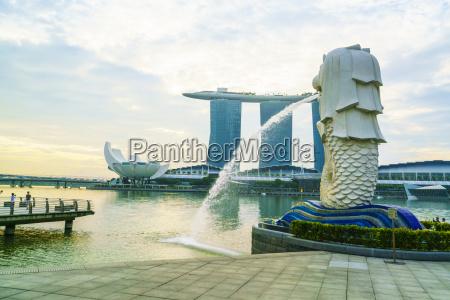 merlion statue das nationalsymbol von singapur