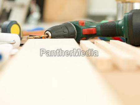 tafel werkzeug bauen moebel arbeitsstaette geraete