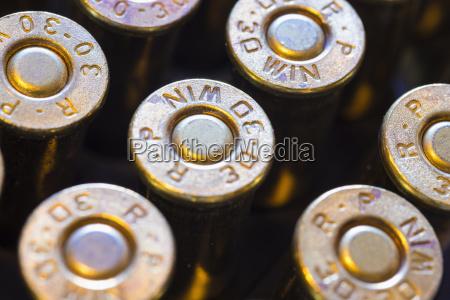 gewehrmunitionsgeschosse ausnaechster haut