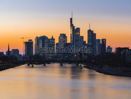 stadt modern moderne bruecke sonnenaufgang steg