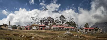 nepal himalayas khumbu everest region tengboche