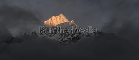 nepal himalaya khumbu ama dablam