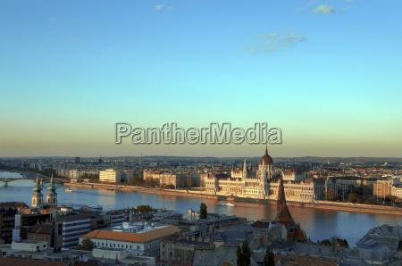 ungarn budapest blick auf skyline mit