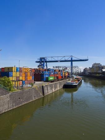 deutschland hessen frankfurt osthafen containerhafen