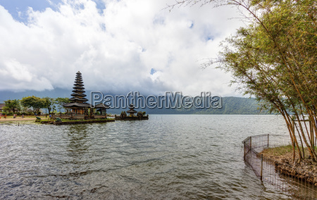 indonesia view of temple pura ulun