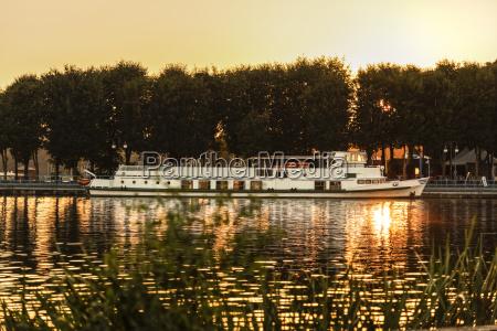 poland, , masuria, , steam, boat, on, lake - 21043349