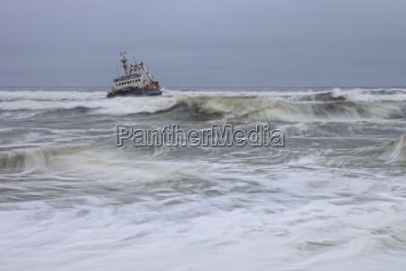 namibia skeleton coast ship wreck boat