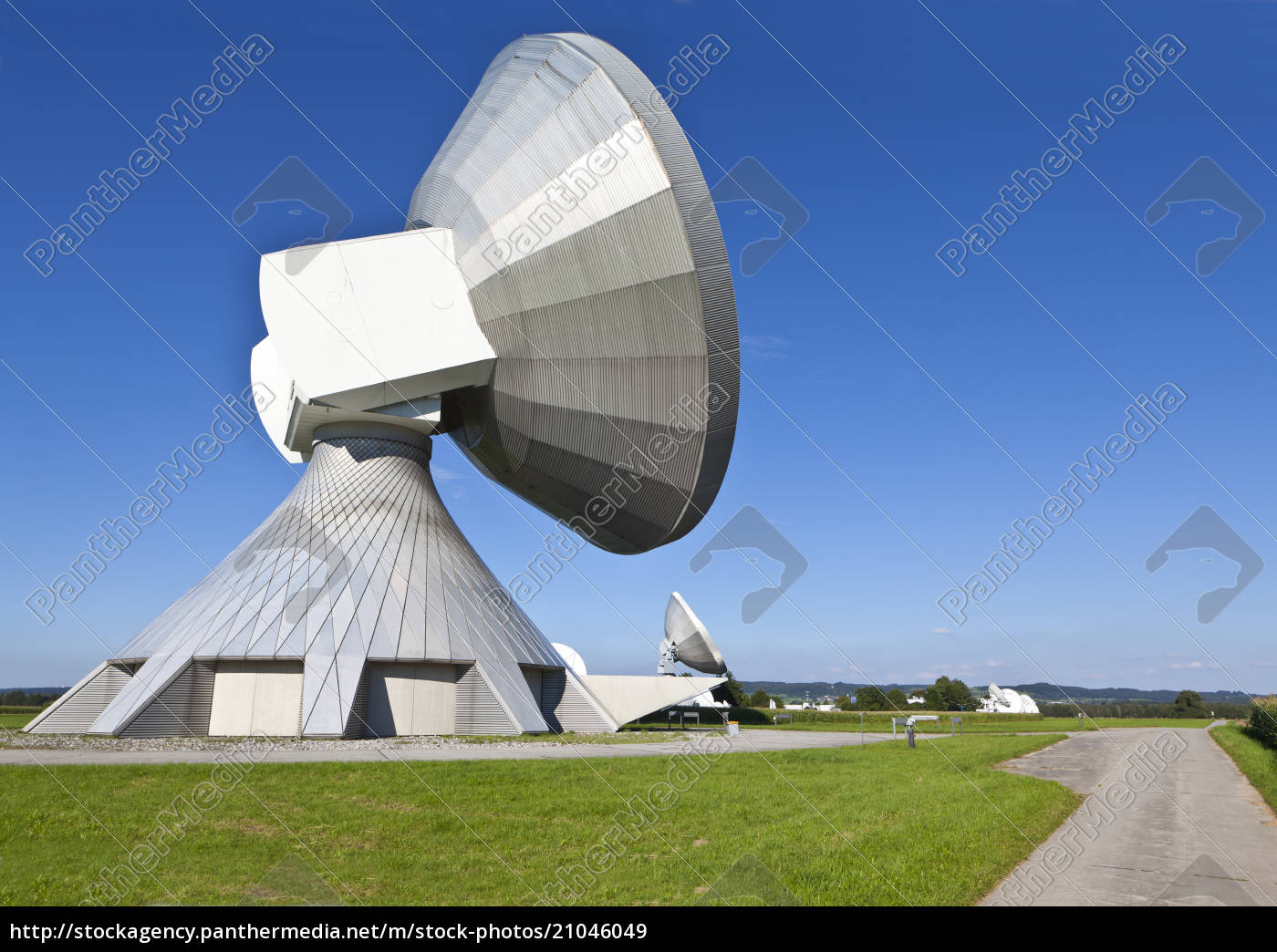 germany, , bavaria, , view, of, satellite, dishes - 21046049