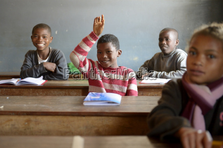 madagaskar schueler in fianarantsoa grundschule