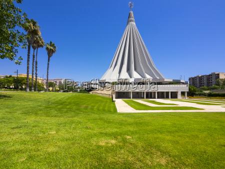 fahrt reisen kirche modern moderne outdoor