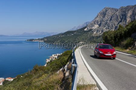 kroatien, dalmatien, auto, auf, küstenstraße, in, der, nähe - 21049971
