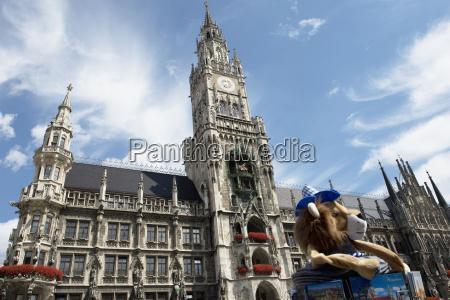 deutschland bayern muenchen rathaus am marienplatz