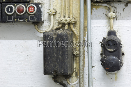 deutschland antike alte schmutzige steckdose abschluss
