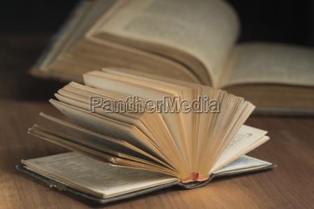schreiben schreibend schreibt religion holz leder