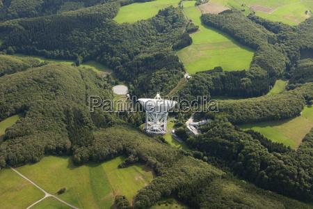 europa, deutschland, rheinland-pfalz, ansicht, des, effelsberg, radioteleskops - 21059425