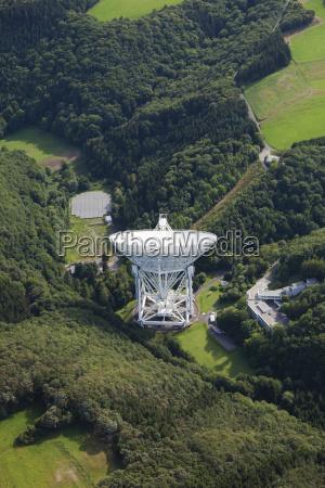 europa, deutschland, rheinland-pfalz, ansicht, des, effelsberg, radioteleskops - 21059429