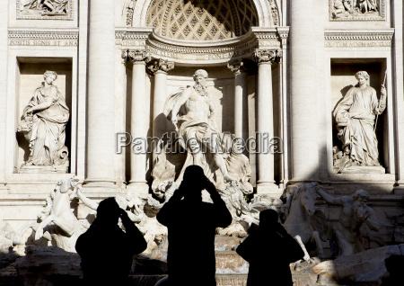 italien rom blick auf trevi brunnen