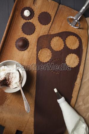chocolate ravioli pasta with ricotta filling