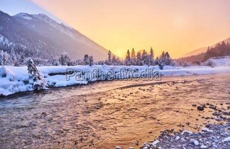 fahrt reisen baum winter sonnenuntergang romantisch