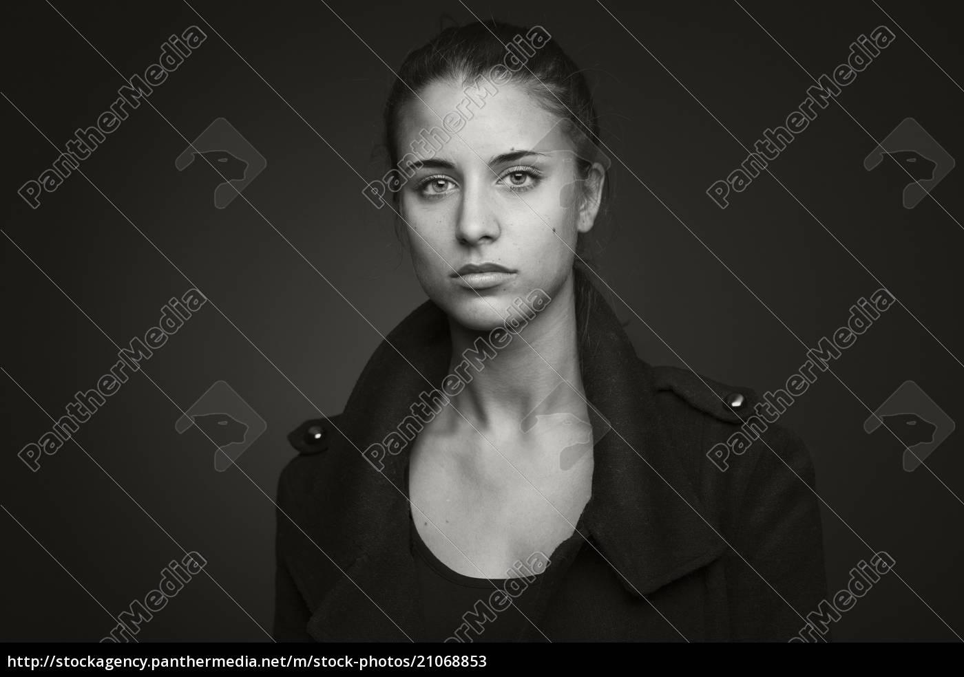 porträt, einer, jungen, frau - 21068853