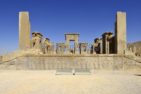 iran fars persepolis ruins of darius