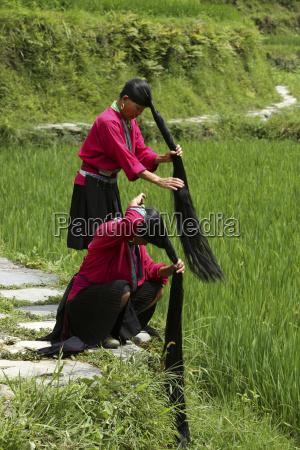 china guangxi pingan yao women braiding