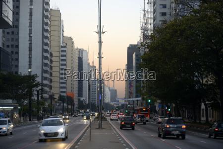 fahrt reisen stadt stadtleben verkehr verkehrswesen