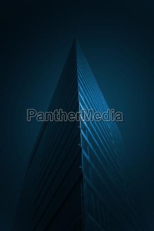 blau dunkelheit buerogebaeude buerohaus gebaeude outdoor